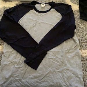 Old Navy Men's Long sleeve baseball shirt. Large